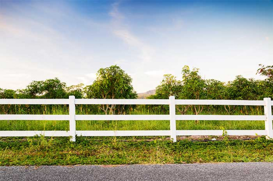 Let us build you a custom fence for your Farm or Ranch